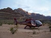 Tour de lujo por el Gran Cañón en helicóptero con picnic y champán