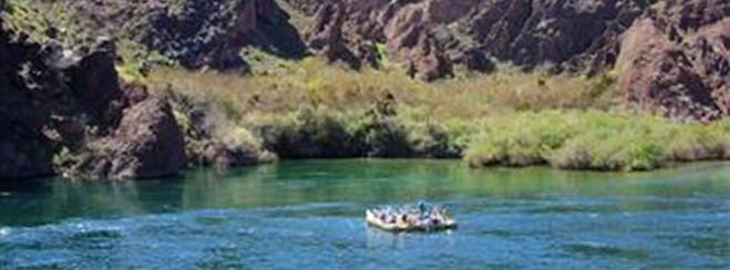 Rafting por el cañón Negro del río Colorado